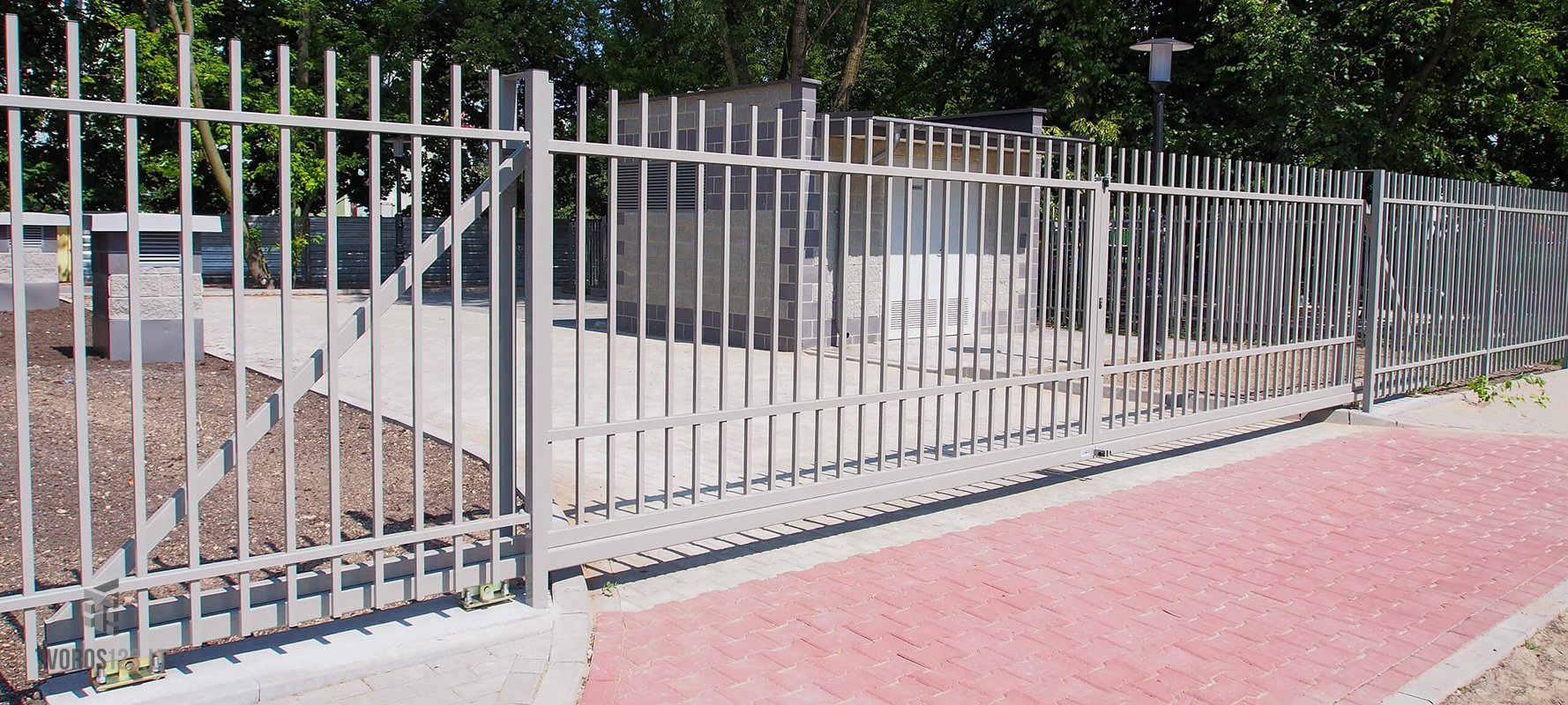 Dekoratyviniai stumdomi vartai 035