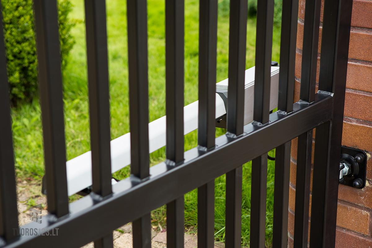 Dekoratyviniai varstomi vartai 031