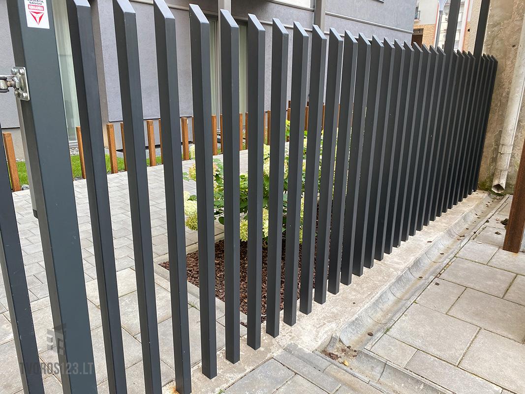 Metalinė-tvora-Šukos-031